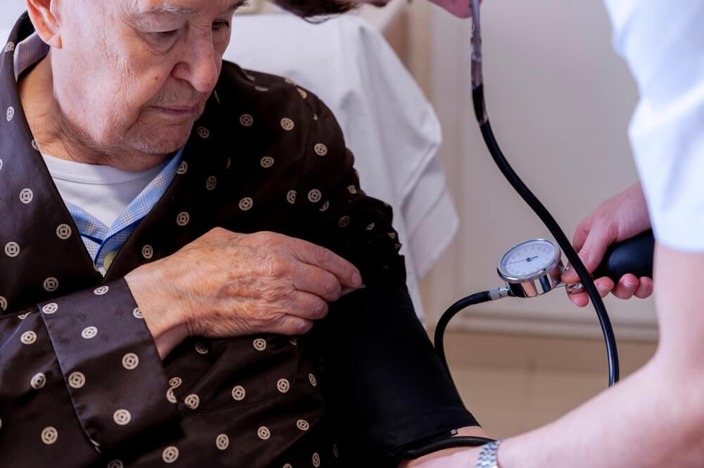 Nizak pritisak kod starijih osoba